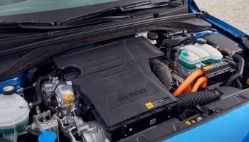 Car Battery Trickle Chargers – What Are They? How Do They Work?